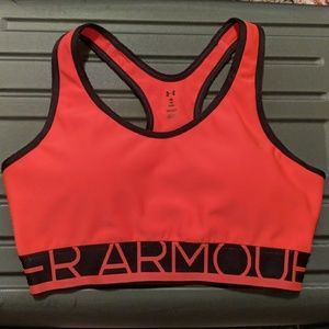 Under Armour Hot Pink Sports Bra Almost New